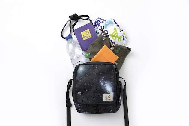 go slow caravan 宇宙柄 bag book