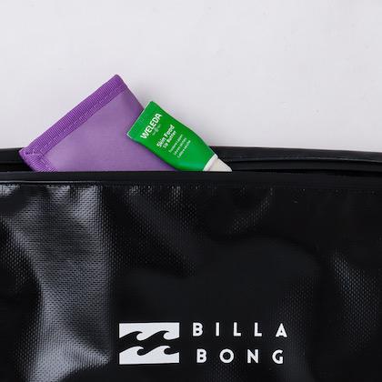 BILLABONG 水と汚れに強いショルダーバッグ